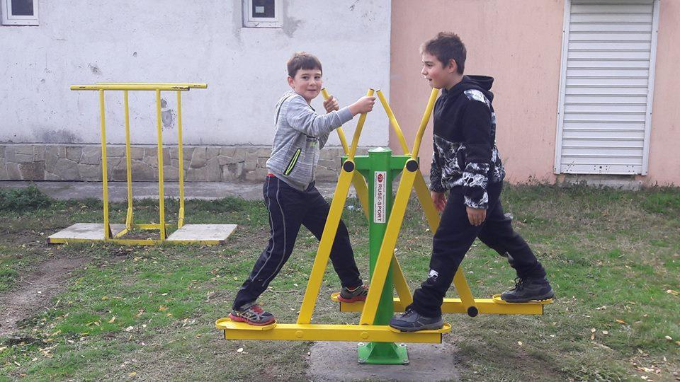 Поставиха нови фитнес уреди на Купена_Място в Карлово