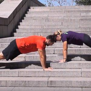 Да превърнеш стълбите във фитнес площадка